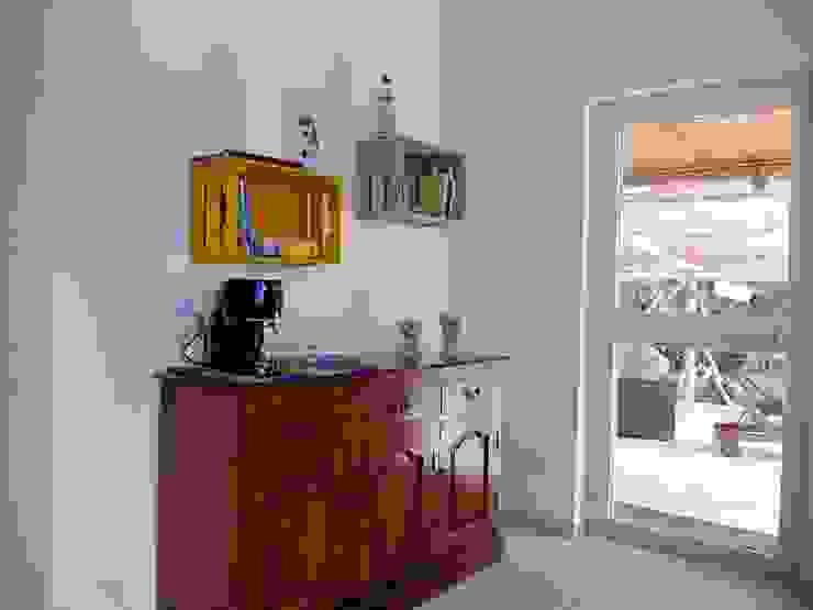 https://www.silviacubeddu.com/progetti/ Sala da pranzo in stile mediterraneo di Silvia Cubeddu architetto Mediterraneo
