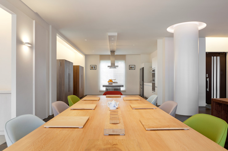 Modern dining room by 何侯設計 Ho + Hou Studio Architects Modern