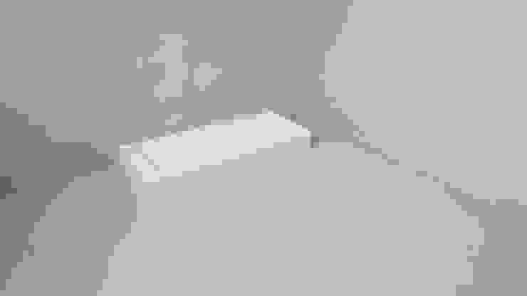 SURFACED 창조 Ванна кімнатаТуалети