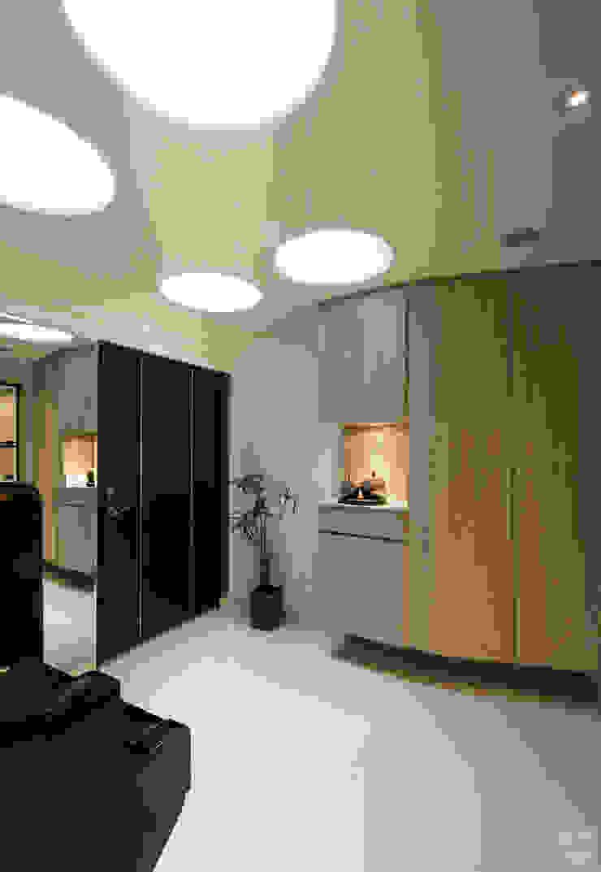 الممر الحديث، المدخل و الدرج من 北歐制作室內設計 حداثي