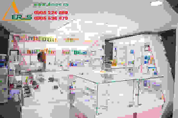 Thiet Ke Thi Cong Shop My Pham BoShop Tai Quan 1 bởi xuongmocso1 Hiện đại