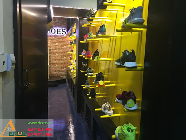 Thiet Ke Thi Cong Shop Giay King Shoes Tai Tan Binh bởi xuongmocso1 Hiện đại