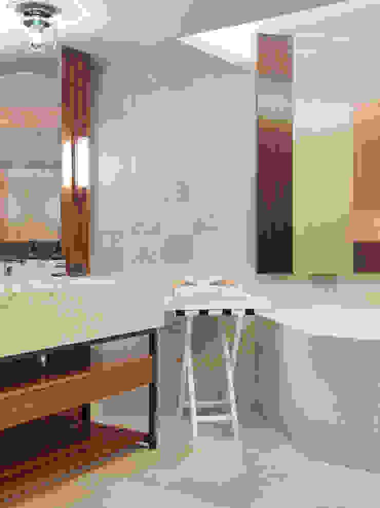 樓中樓住宅 Duplex Residence 何侯設計 Ho + Hou Studio Architects 現代浴室設計點子、靈感&圖片
