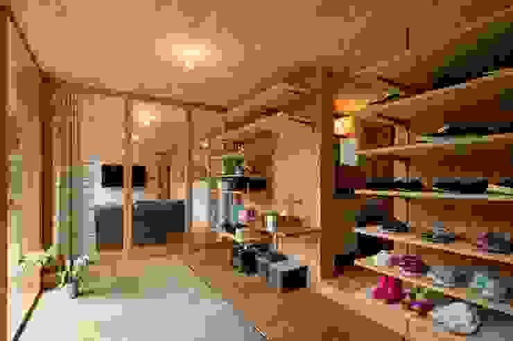 HOUSE-K オリジナルスタイルの 玄関&廊下&階段 の N.A.O オリジナル