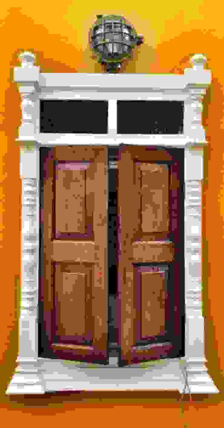Eclectic style windows & doors by Sandarbh Design Studio Eclectic