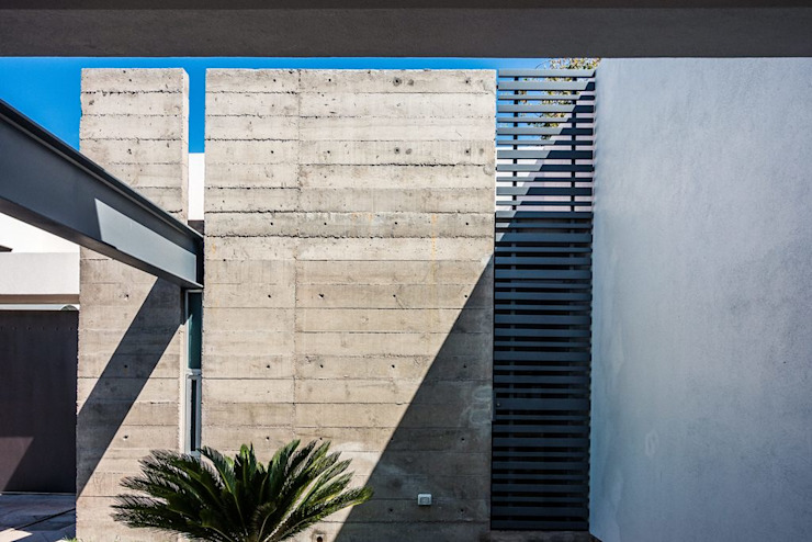 por Esquivias + Esquivias, Arquitectos