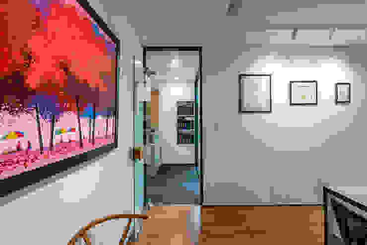 Thiết kế thi công nội thất văn phòng (V7) bởi Dandelion Design Construction Hiện đại