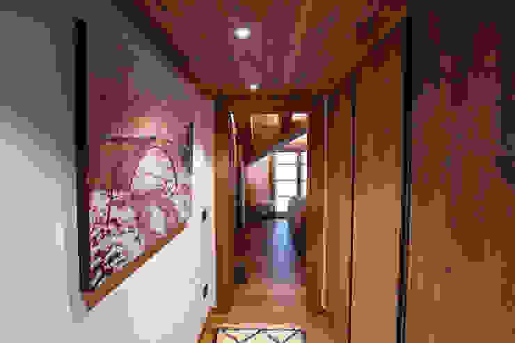 Casa Maloja BEARprogetti - Architetto Enrico Bellotti Ingresso, Corridoio & Scale in stile rustico