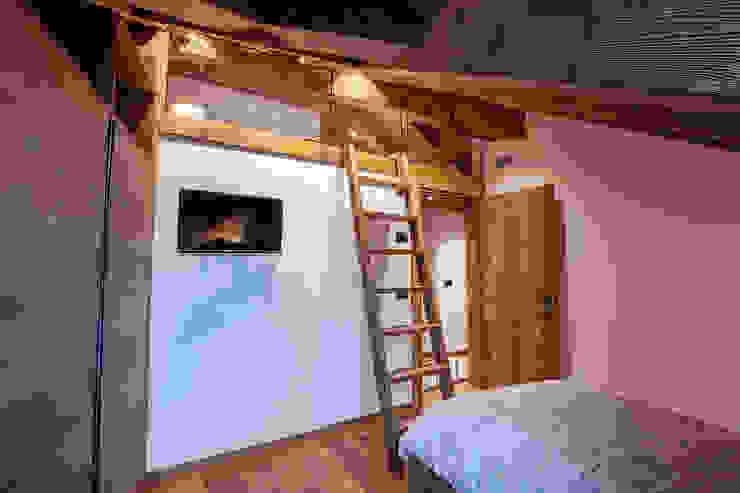 Casa Maloja BEARprogetti - Architetto Enrico Bellotti Camera da letto in stile rustico
