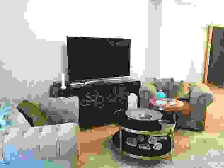 Moradia Algarve 2017 Atelier Ana Leonor Rocha Sala de estarTV e mobiliário