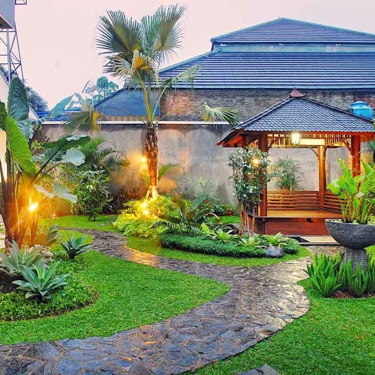 Tukang Taman Profesional: Taman oleh Tukang Taman Surabaya - Tianggadha-art, Tropis Batu