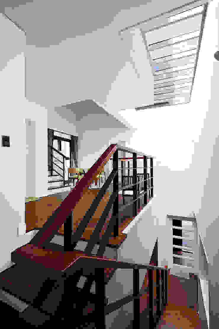 HOUSE 내부 by AVANT DESIGN GROUP