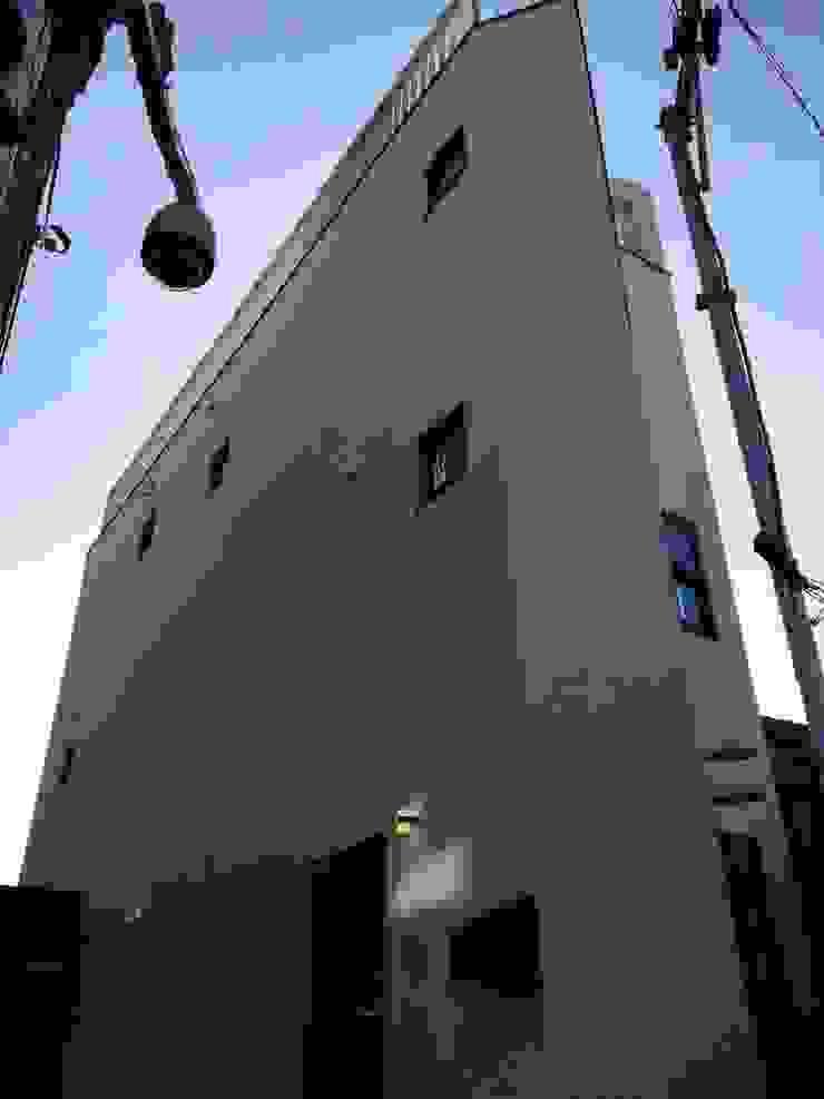 필운동 단독주택(협소주택) 서랍 모던스타일 주택 by (주)건축사사무소 더함 / ThEPLus Architects 모던