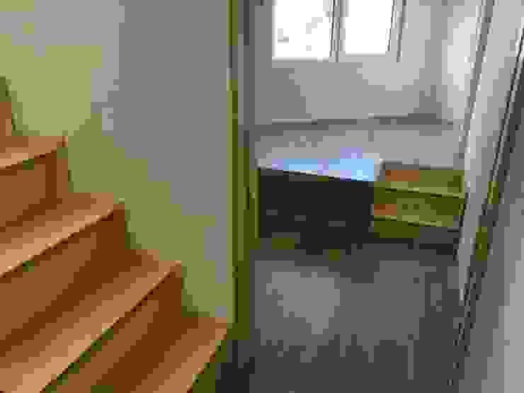 필운동 단독주택(협소주택) 서랍 모던스타일 미디어 룸 by (주)건축사사무소 더함 / ThEPLus Architects 모던