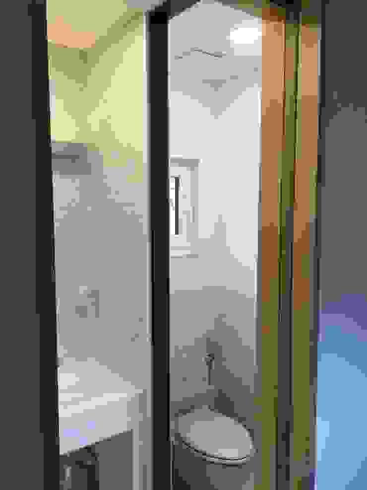 필운동 단독주택(협소주택) 서랍 모던스타일 욕실 by (주)건축사사무소 더함 / ThEPLus Architects 모던
