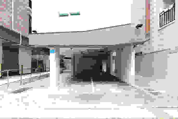 Garasi by 오파드 건축연구소