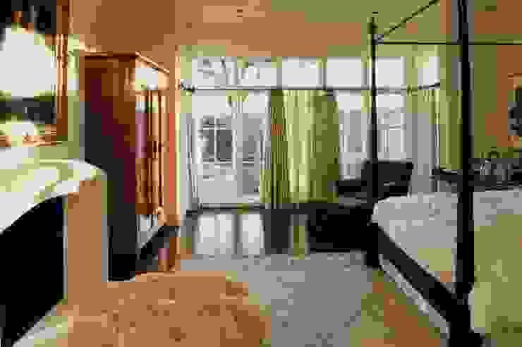 Interior Designer in Indirapuram Classic style bedroom by Interior Designer in Indirapuram Classic
