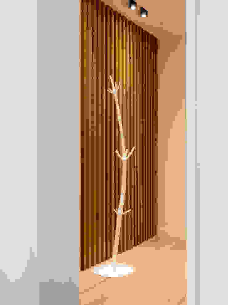 Hall MUDA Home Design Corredores, halls e escadas escandinavos