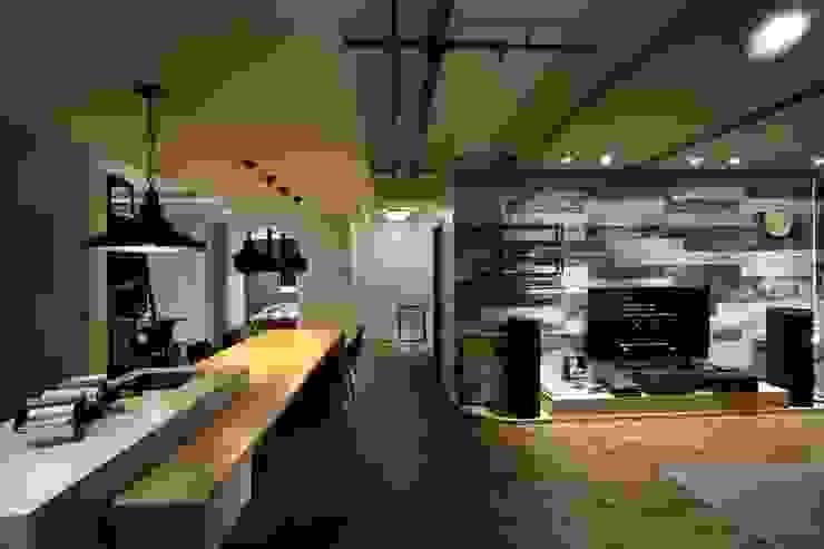 インダストリアルデザインの リビング の 雅群空間設計 インダストリアル