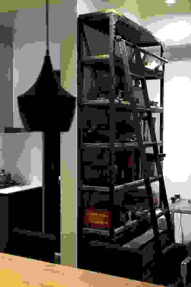 インダストリアルな 壁&床 の 雅群空間設計 インダストリアル