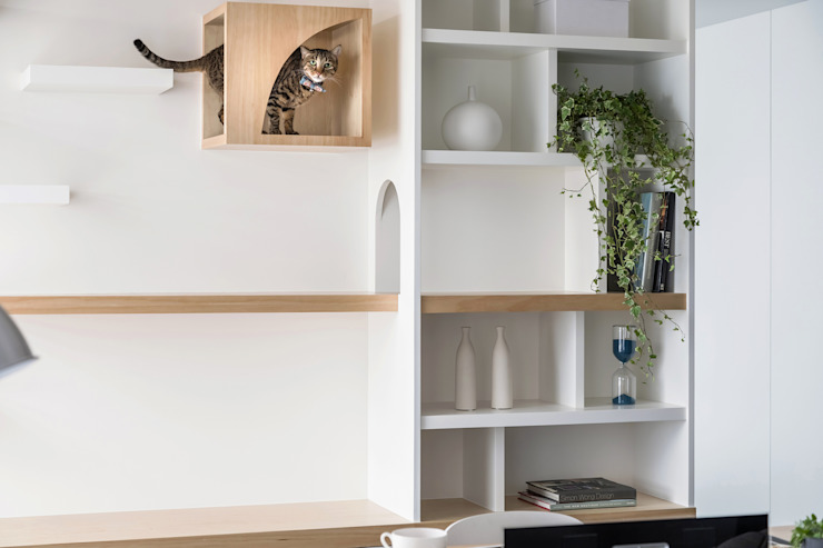Paredes e pisos escandinavos por 寓子設計 Escandinavo