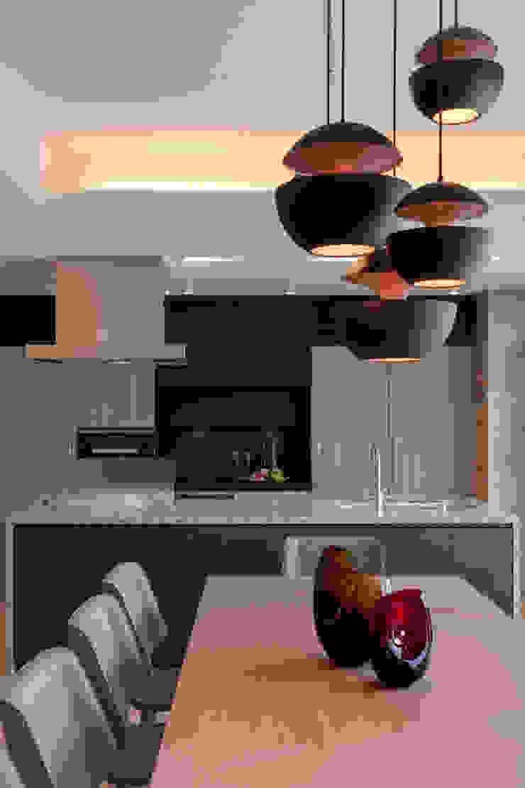 株式会社Juju INTERIOR DESIGNS Muebles de cocinas Contrachapado Beige