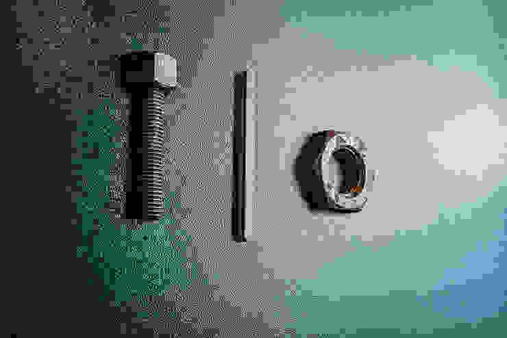 Dettaglio porta bagno Bar & Club in stile industrial di manuarino architettura design comunicazione Industrial Ferro / Acciaio