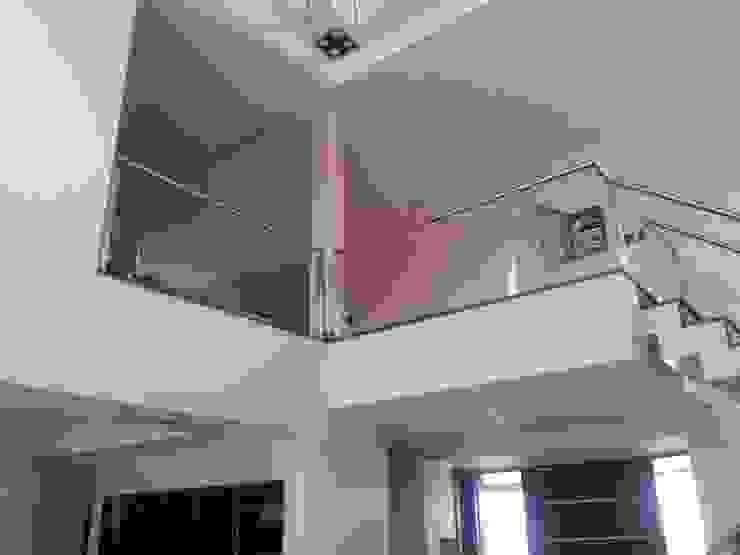 Vivienda en Urbanizacion Privada – Yerba Buena Tucuman Livings modernos: Ideas, imágenes y decoración de Alejandro Acevedo - Arquitectura Moderno Caliza