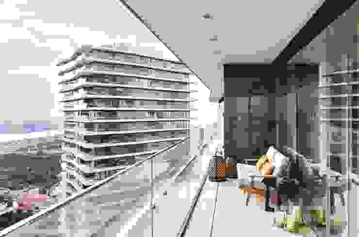 Balcón de estilo  por Sonraki Mimarlık Mühendislik İnş. San. ve Tic. Ltd. Şti., Moderno