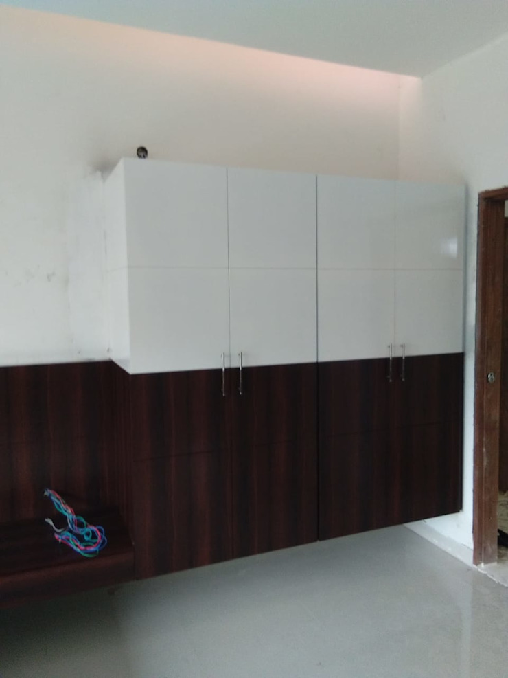 Modern Living Room by Royal interior Modern