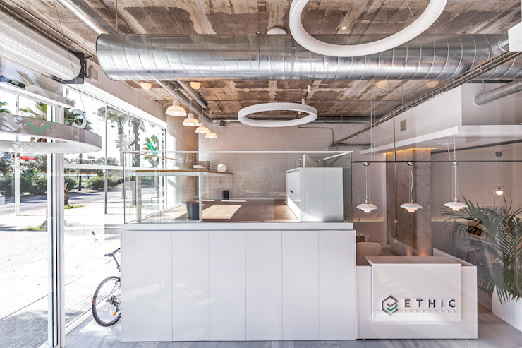 OFICINAS ETHIC INVESTORS Edificios de oficinas de estilo moderno de ESTUDIO DE CREACIÓN JOSEP CANO, S.L. Moderno