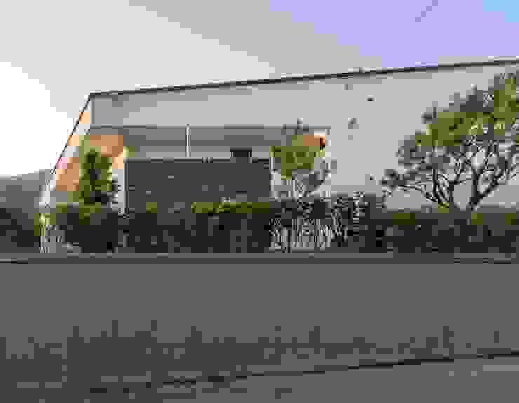 곤지암 단독주택-'품' by (주)건축사사무소 더함 / ThEPLus Architects 모던
