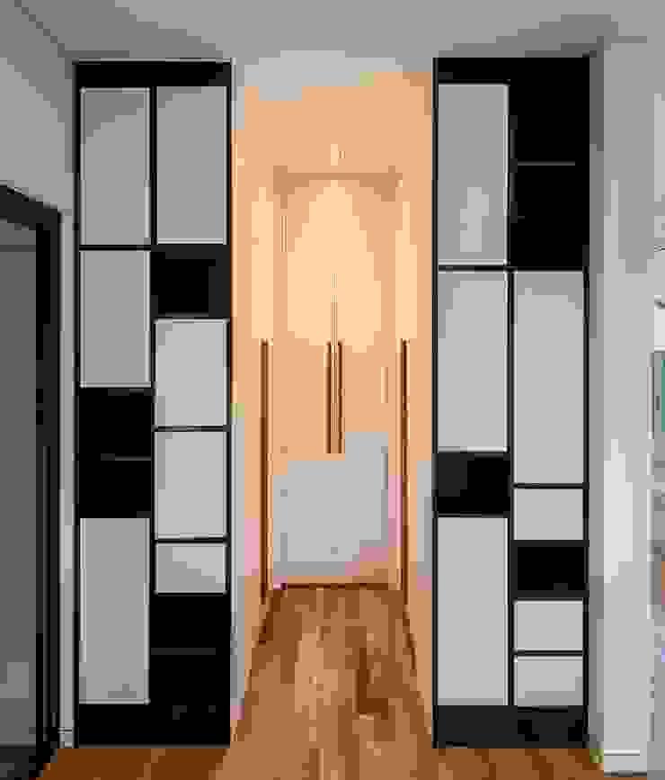 (주)건축사사무소 더함 / ThEPLus Architects 玄關、走廊與階梯儲藏櫃
