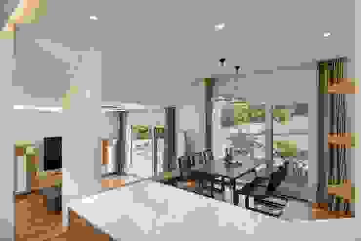 (주)건축사사무소 더함 / ThEPLus Architects 现代客厅設計點子、靈感 & 圖片