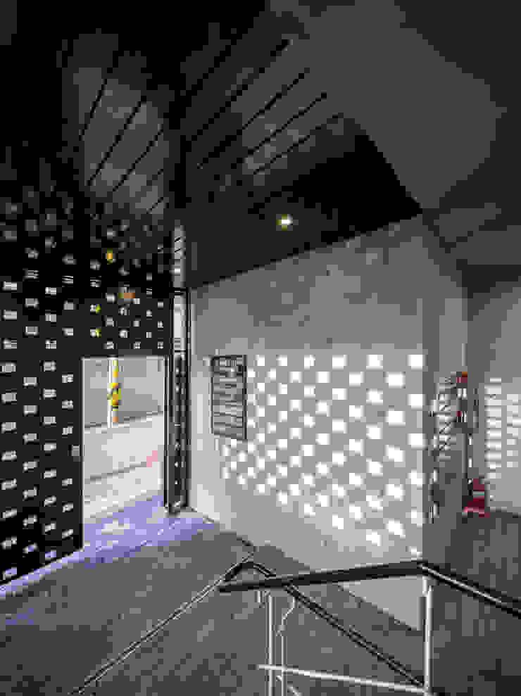(주)건축사사무소 더함 / ThEPLus Architects ประตู