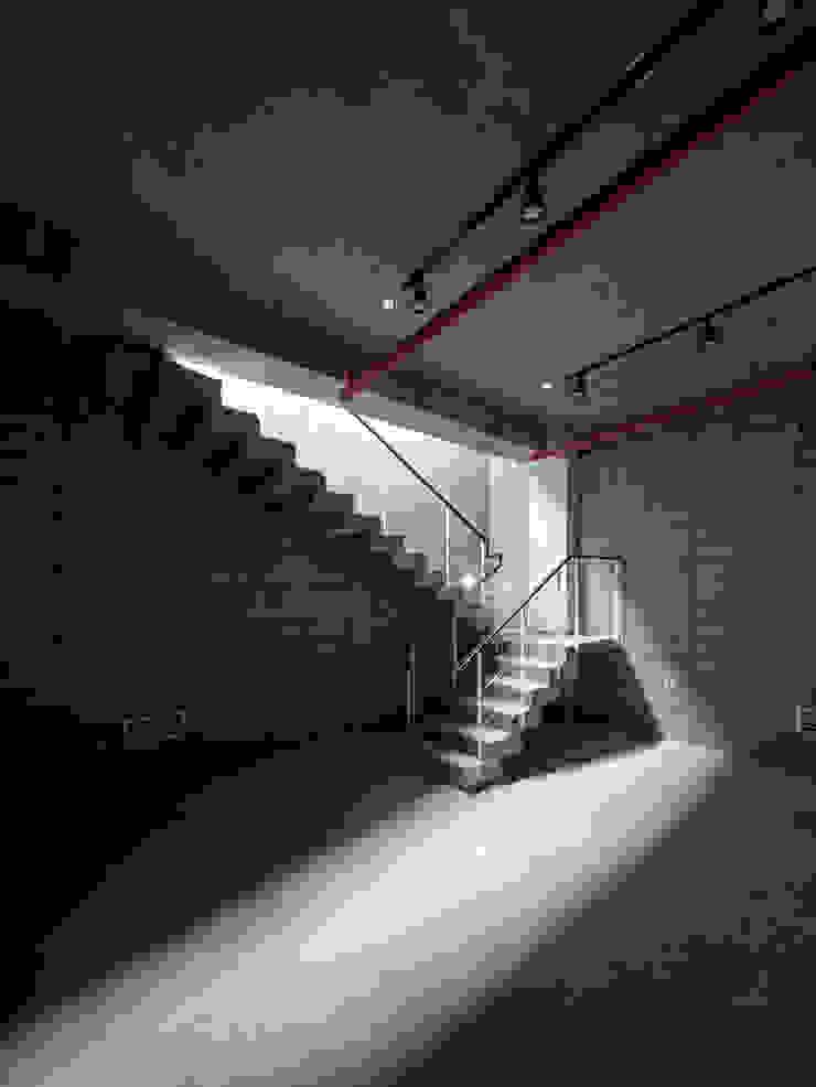 (주)건축사사무소 더함 / ThEPLus Architects พื้น