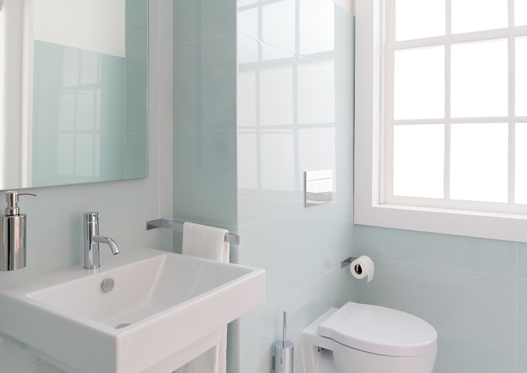 Reformar baño pequeño en Málaga: Baños de estilo  de Klausroom