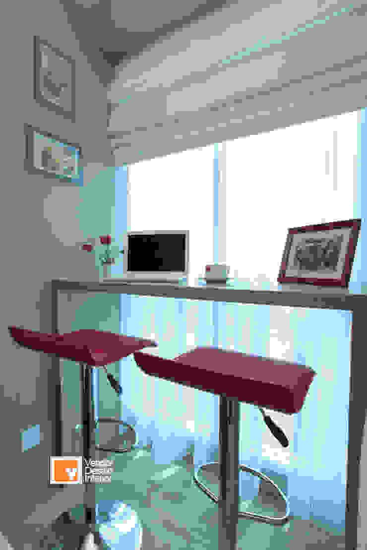 Apartment Bapak Sadeko di Apartemen Tifolia Ruang Keluarga Minimalis Oleh PT Solusi Eka Optima Minimalis