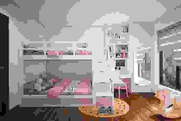 Phòng ngủ nhỏ được bố trí giường tầng để tiết kiệm diện tích Phòng ngủ phong cách hiện đại bởi Công ty TNHH Nội Thất Mạnh Hệ Hiện đại