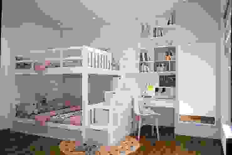 Phòng ngủ nhỏ màu hồng dễ thương bởi Công ty TNHH Nội Thất Mạnh Hệ Hiện đại