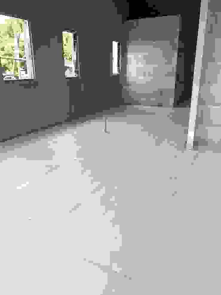 地磚完工後鋪設保護板 懷謙建設有限公司