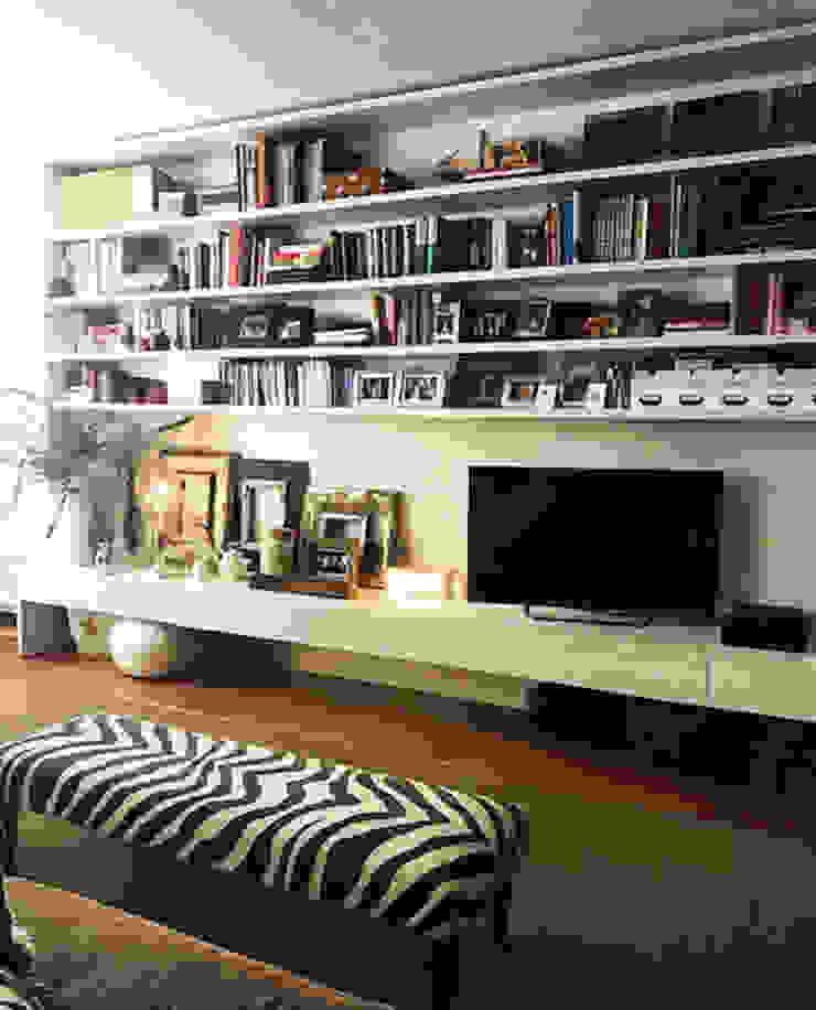 Gavetão- Decoração de Interiores Eclectic style living room Wood White