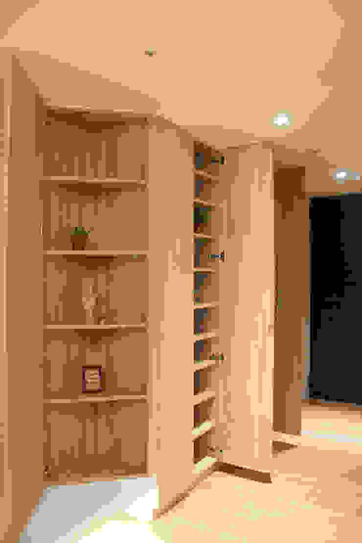 玄關/鞋櫃收納 圓方空間設計 現代風玄關、走廊與階梯 合板 Wood effect