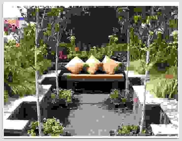 GOLD MEDAL GARDEN - RHS Flower Show 2009 Greenvision Garden Design Rustic style garden Slate