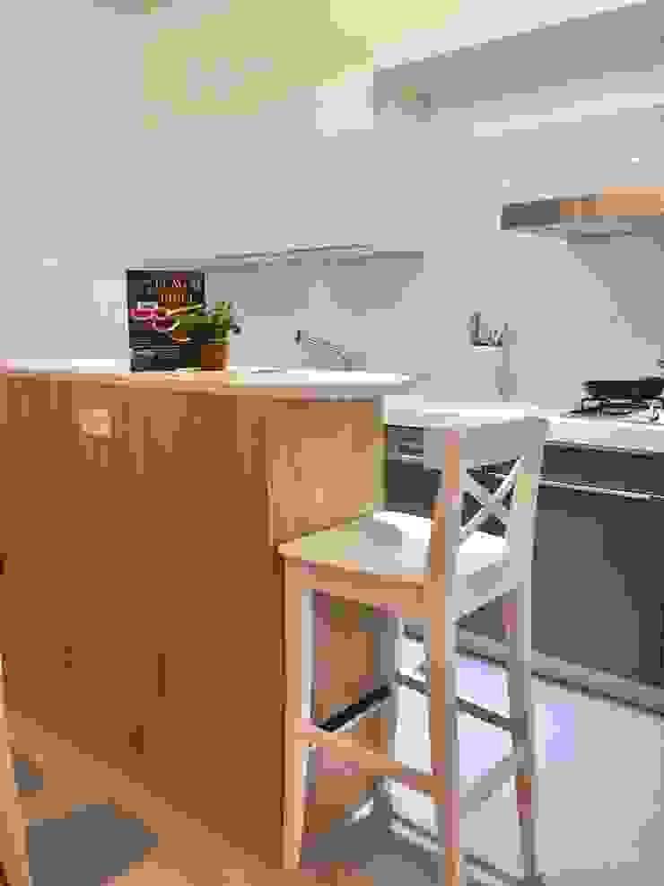 廚房/小巧精緻的中島設計 圓方空間設計 系統廚具