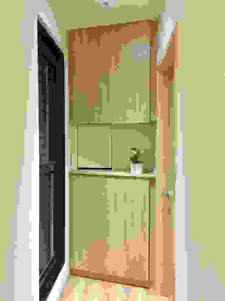 走廊/角落的三角空間 圓方空間設計 現代風玄關、走廊與階梯 合板 Wood effect