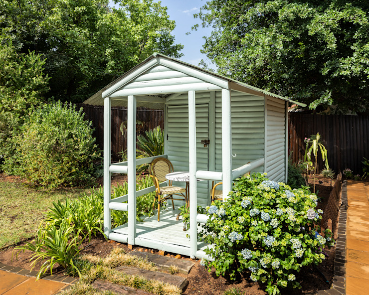 "Shed Outdoor Living: {:asian=>""asian"", :classic=>""classic"", :colonial=>""colonial"", :country=>""country"", :eclectic=>""eclectic"", :industrial=>""industrial"", :mediterranean=>""mediterranean"", :minimalist=>""minimalist"", :modern=>""modern"", :rustic=>""rustic"", :scandinavian=>""scandinavian"", :tropical=>""tropical""}  by Deborah Garth Interior Design International (Pty)Ltd,"
