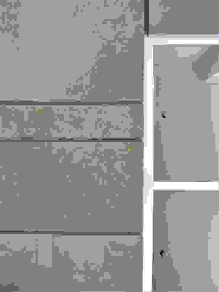 El Cigarral Paredes y pisos de estilo minimalista de RRA Arquitectura Minimalista Mármol