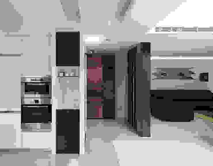 K HOUSE 現代風玄關、走廊與階梯 根據 形構設計 Morpho-Design 現代風