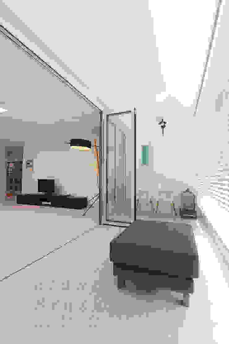 블랑브러쉬 Balcon, Veranda & Terrasse modernes